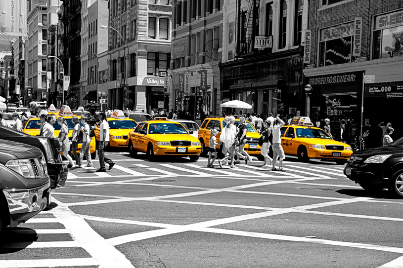 Yellow Cabs [EOS 5DMK2 | EF 24-105L@60mm | 1/640 s | f/5.6 | ISO200]