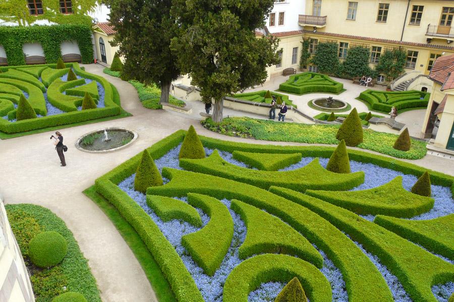 Valderredible sostenible blog la importancia de la - Fotos de jardines decorados ...