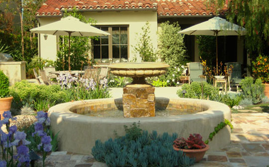 Luxury Backyard Features : Molly Wood Garden Design Luxury Outdoor Water Features at Home