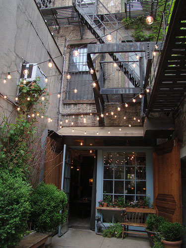 Outdoor String Lights For House : Design 101 - String Lights In Small Spaces - Home Infatuation Blog - Dream Design Live Luxury ...