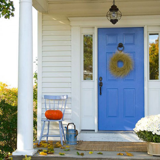 Shelterness Minimalist Fall Outdoor Decorating at Home Infatuation Blog