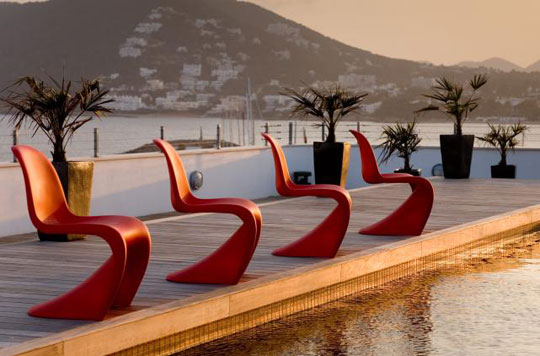 Luxury Hotel Red Outdoor Furnishings at Home Infatuation Blog