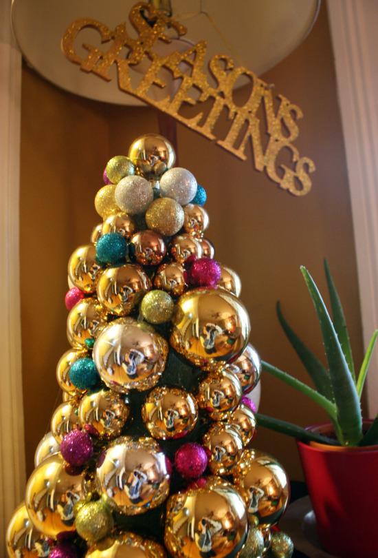 bulb christmas tree