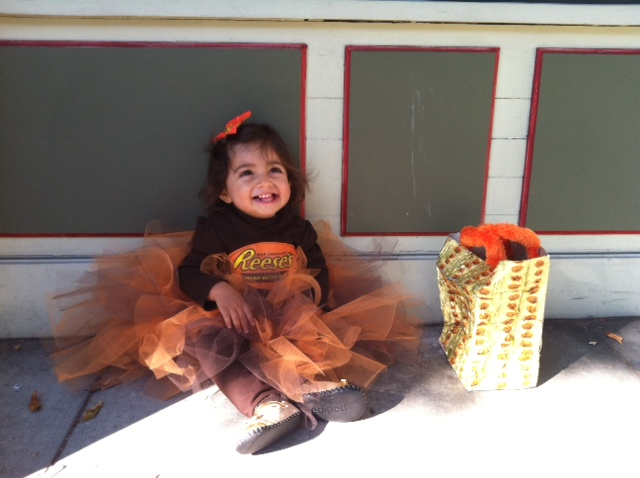 mommybeta blogs happy halloween and my reeses peanut butter cup