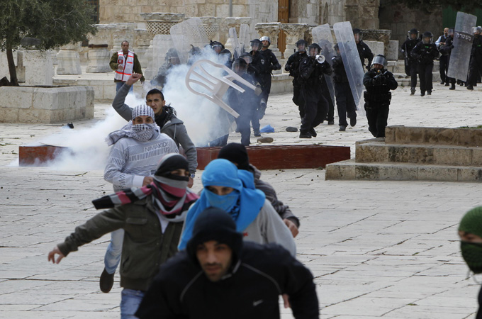 Mosque Aqsa Surrounded at The al Aqsa Mosque on