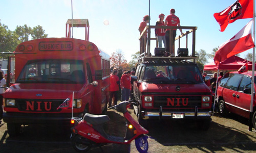Huskie Tailgating Machines