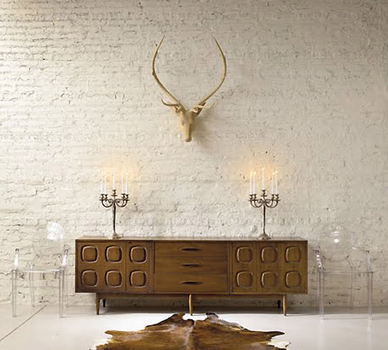 These Mounted Animal Heads And Or Antlers Are Even Turning Up In The Most Modern Minimalist Es They Really Add Drama Visual Impact To Any Wall