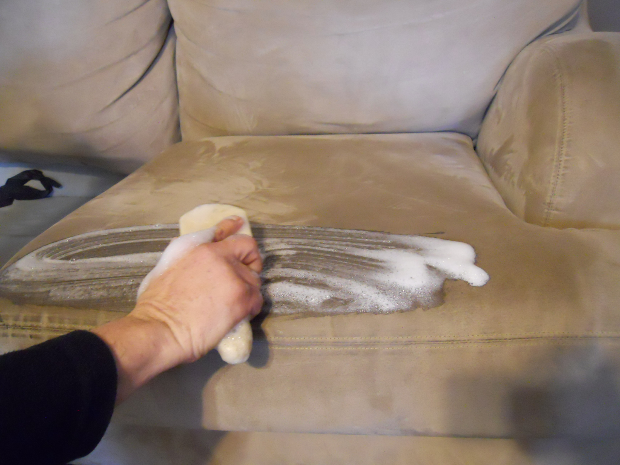 Microfiber furniture cleaning