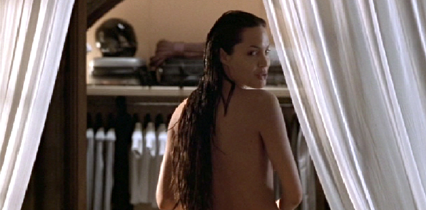 Angelina jolie tomb raider naked