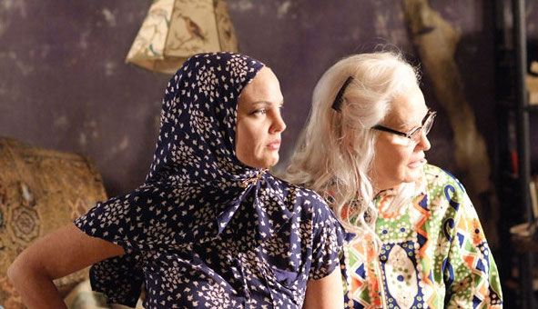 Reenactment Of The Doc Michael Sucsy S Film Stretches Backwards And Forwards To Give Us Access What Led Two Women We Meet In Grey Gardens