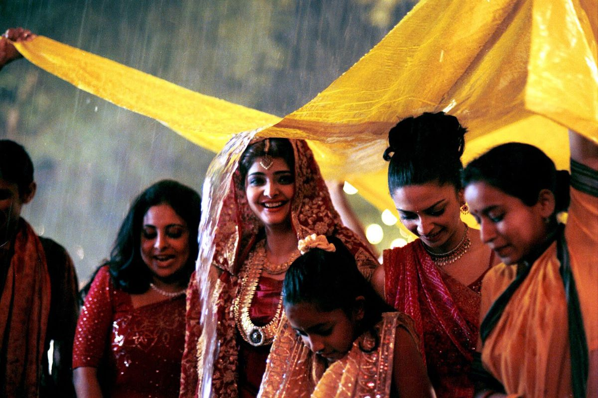 MonsoonWedding3 - Planning a Wedding this Season ? Here are top 5 Movie Inspirations !