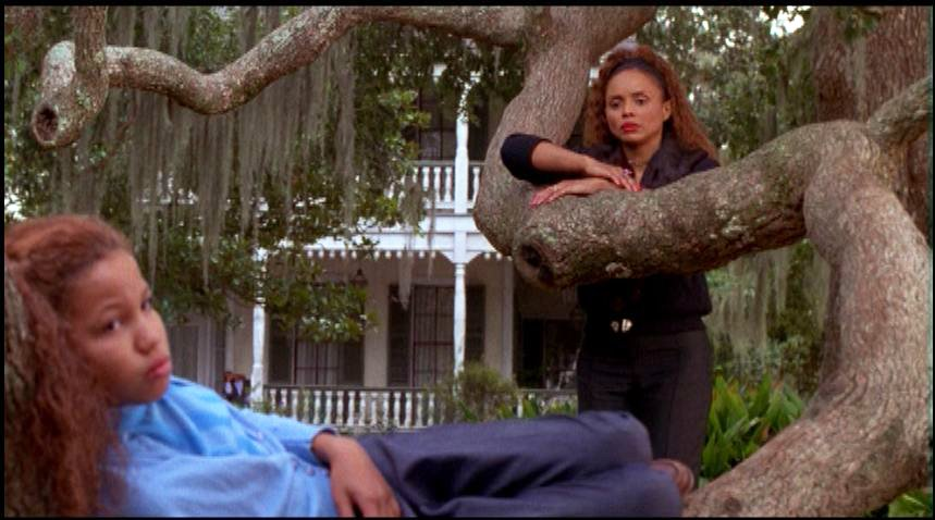 characterization of eve in the film eves bayou
