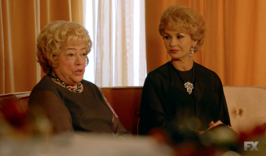 Feud bette and joan more or less blog the film for Joan fontaine and olivia de havilland feud
