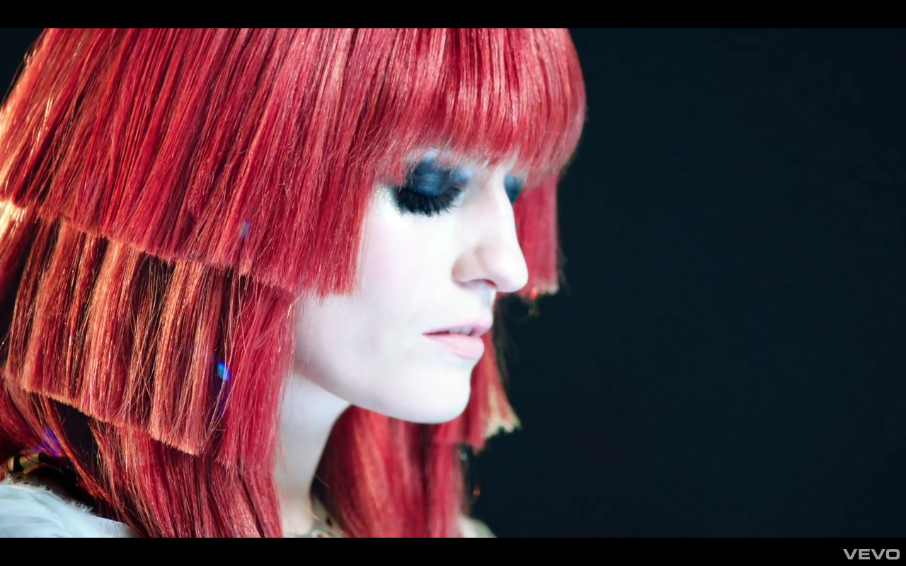 http://gangster.squarespace.com/storage/Florence_The_Machine_Spectrum_video.png?__SQUARESPACE_CACHEVERSION=1338371321864