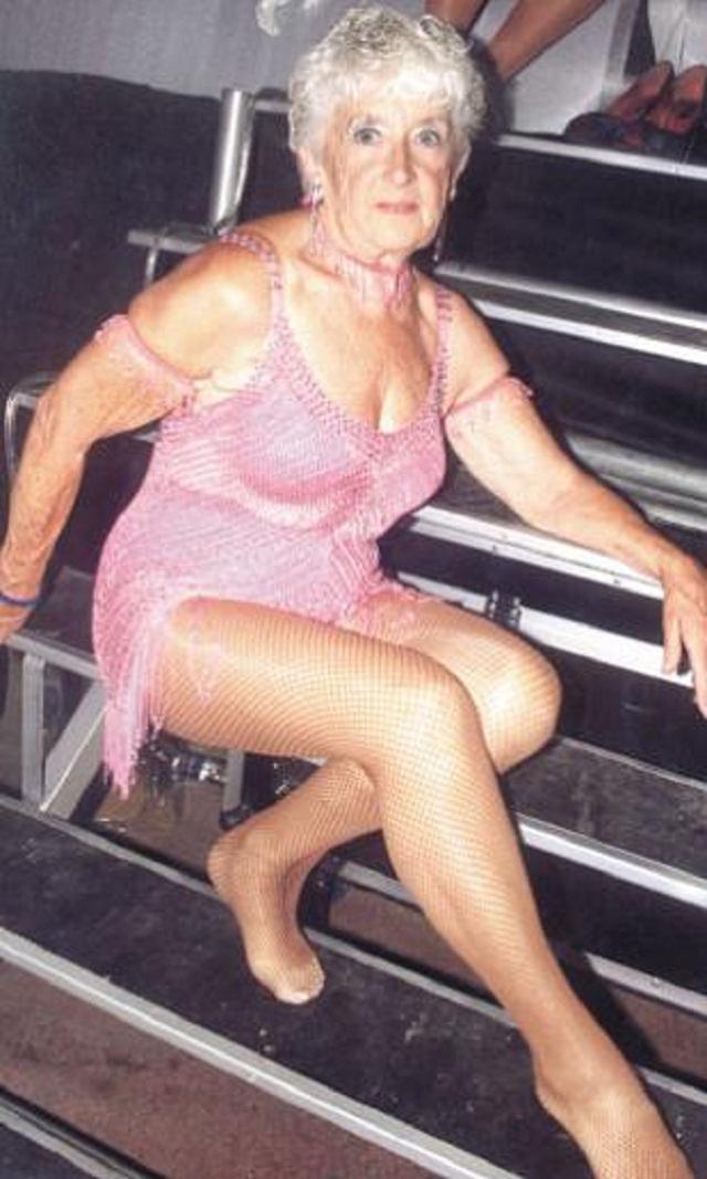 Старые жёнщины голые талантливый