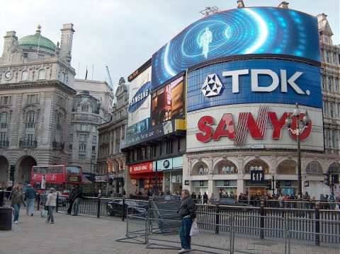 Piccadilly Circus 2.jpg