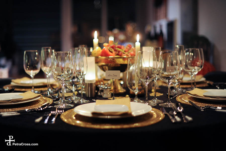 pictures of formal dinner table settings