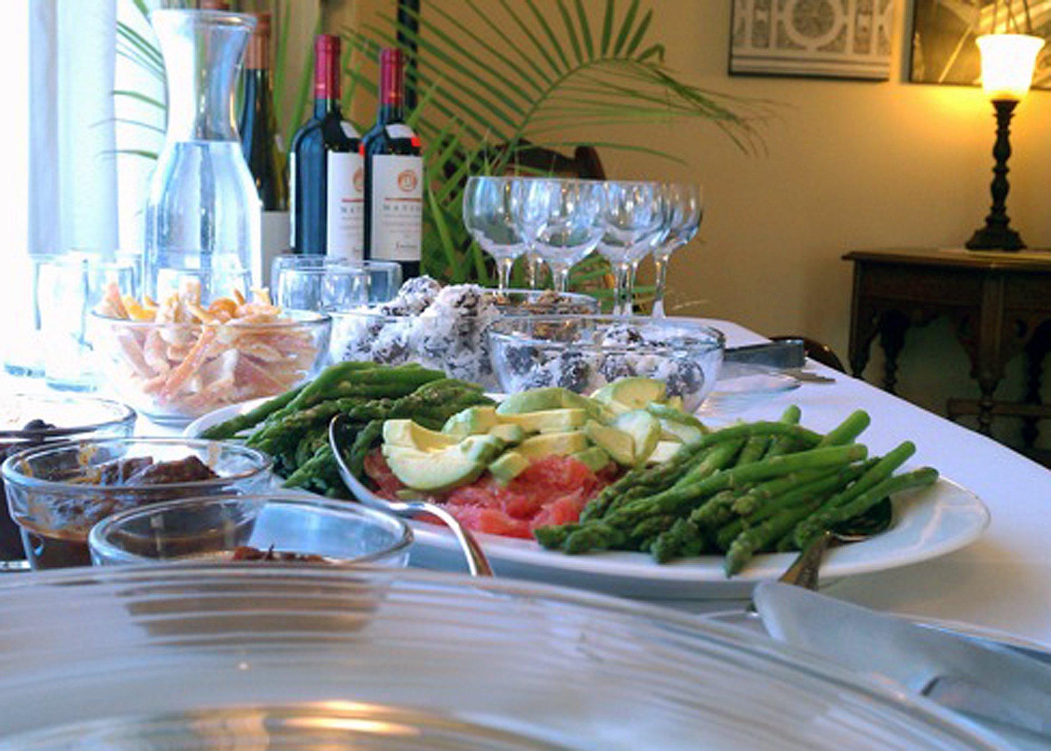 Recipe: Blanched Asparagus with Lemon-Dijon Vinaigrette - The Tender ...