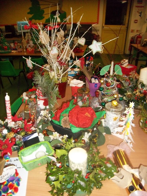 Best 28 christmas table centerpieces for sale for Homemade christmas table decorations uk