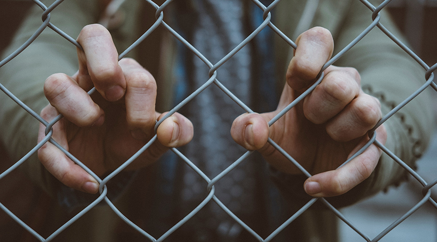 What does the Bible say about how we should treat immigrants? 7 scriptures to know