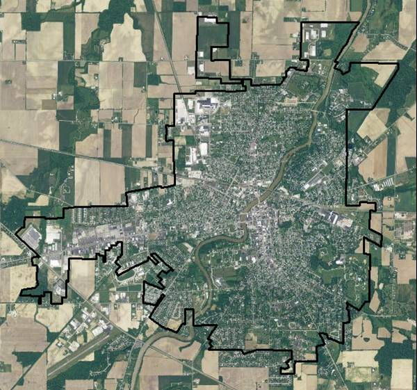 GIS real estate suitability - Town boundary (extent of initial search)