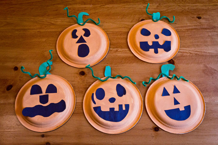 For some reason I love paper plates and thought Logan and Hannah would have fun making pumpkin faces. & Pumpkin Face Plates - Twelve Months of Fun - Twelve Months of Fun