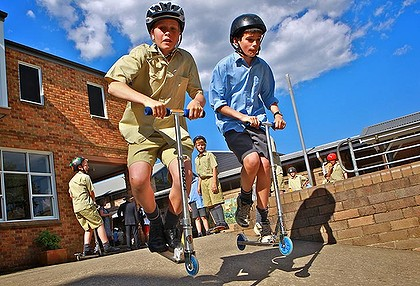 Schoolboys thrive on risk at recess