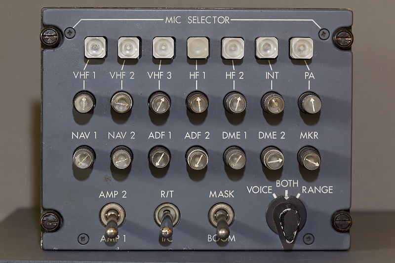 acp b737 square button type 1 .jpg