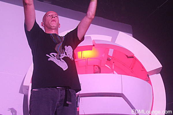 infected-mushroom-terminal-5-nyc-59.jpg