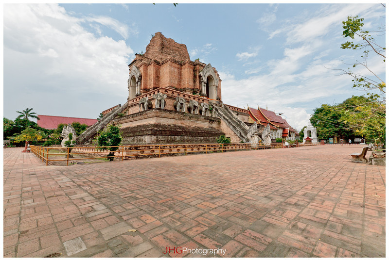 Chiang Mai JHGphoto Thailand Temple Wat Architecture street life canon 5d mkii