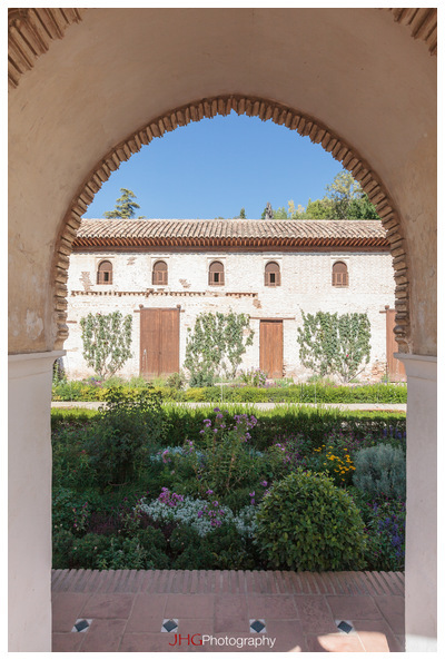 Generalife JHGPhoto JHG Photography Spain Espana Espagne Street Rue Life Granada Grenade Andalusia Andalousie Andalucia Portrait Girl Canon 5D MKII 16-35mm  Albaicin Alhambra Generalife Tour Old Town Vieille ville