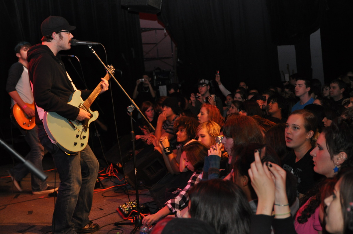 Hawthorne Heights live