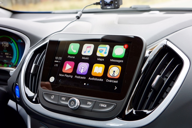 Hands on with Apple CarPlay on the 2016 Chevrolet Volt ...