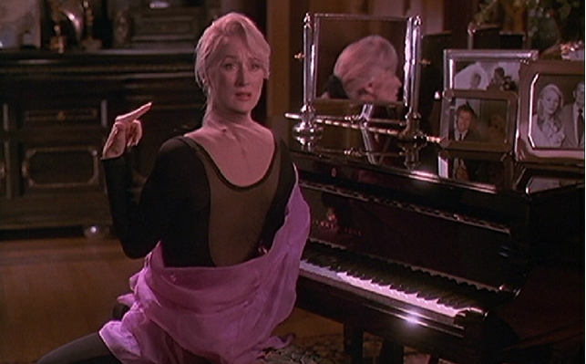 death becomes her - photo #28