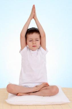 sat nishan kaur  kids yoga  music