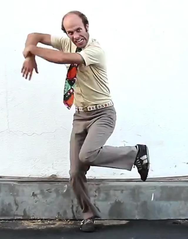 Madeon - Pop Culture - Amazing Live Mashup + Dance Video